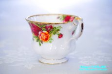 画像4: ロイヤル・アルバート カップ&ソーサー Old Country Roses オールド カントリー ローズ (4)