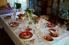 画像1: ご参考例>ウェッジウッド トンキン ルビーのテーブルセッティング (1)