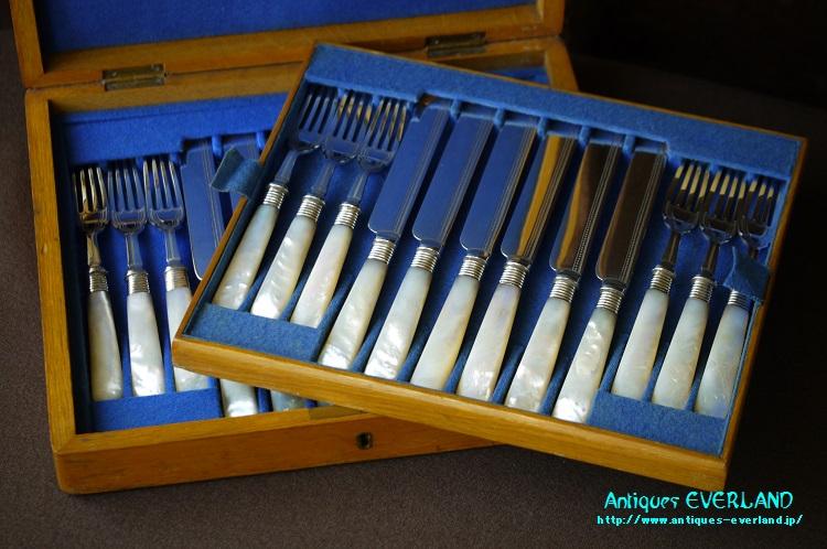 画像1: シルバー マザーオブパール デザートカトラリーセット 12組 オリジナルボックス入り (1)